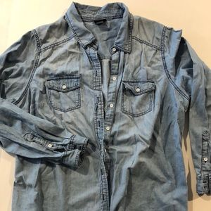 Chambray Shirt - Light Wash